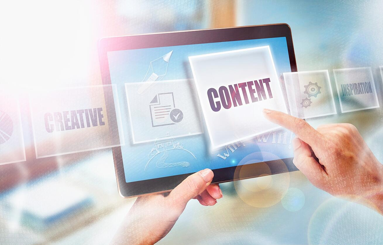 How Healthcare Mixes Traditional & Digital Content (Infographic)