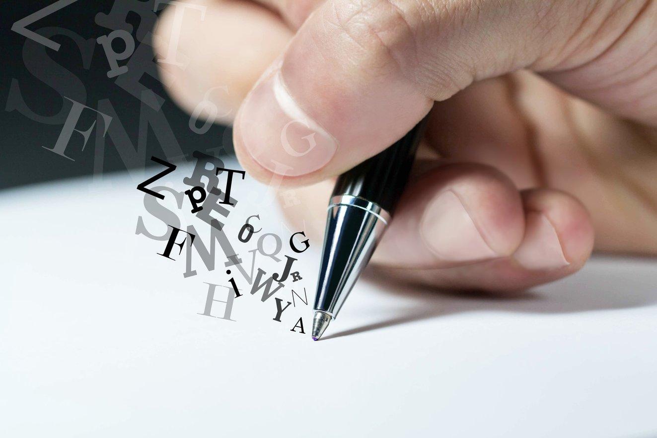 9 Secrets to Writing Headlines (infographic)