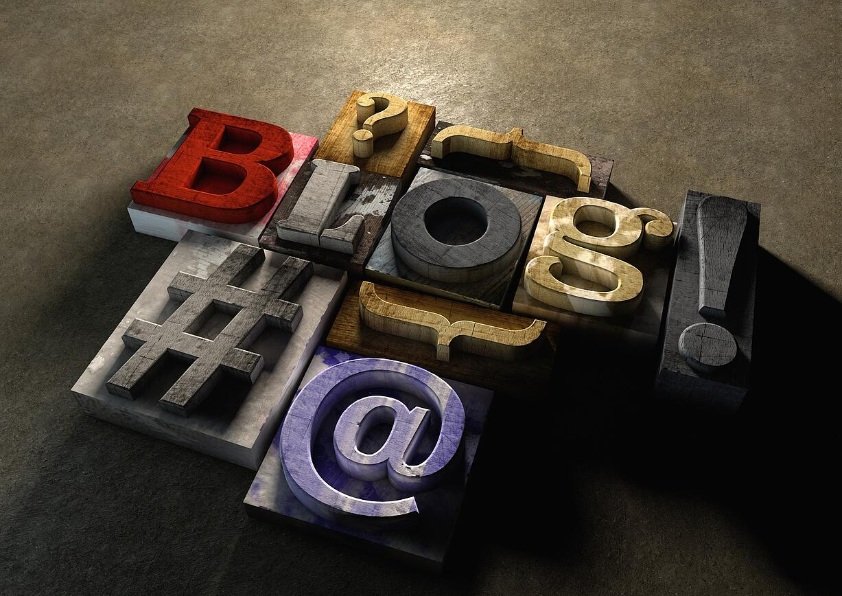A Bit About Business Bloggers (infographic)